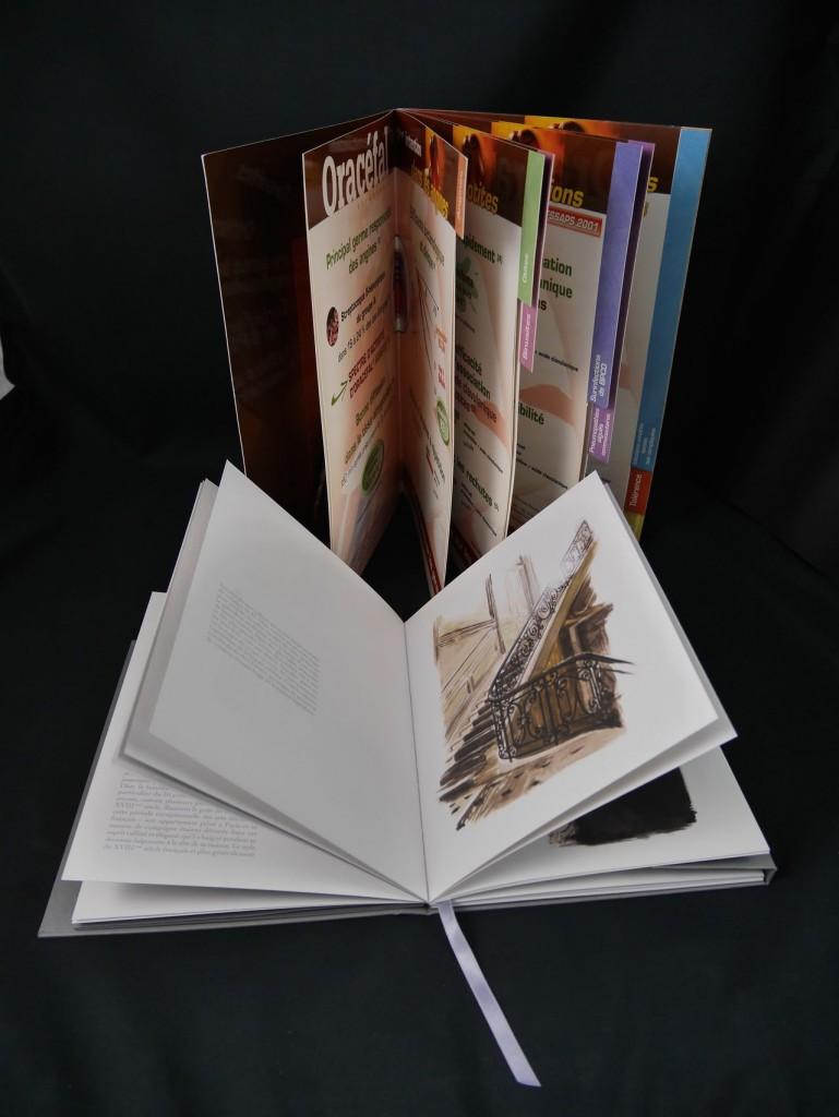 Brochure collage à la chinoise / livre d'Arts