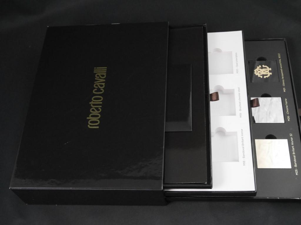 Boîte à tiroirs avec dorure à chaud pour échantillons
